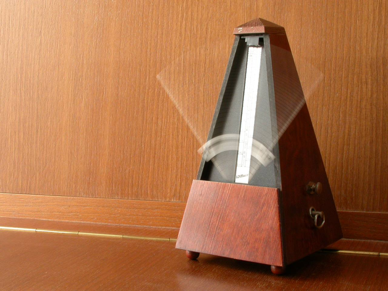 A Wittner mechanical wind-up metronome