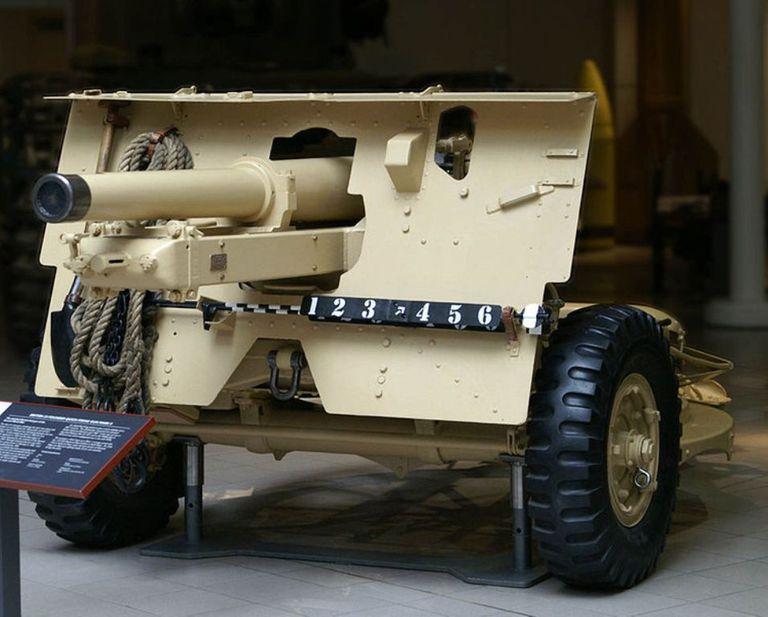 QF 25 field gun