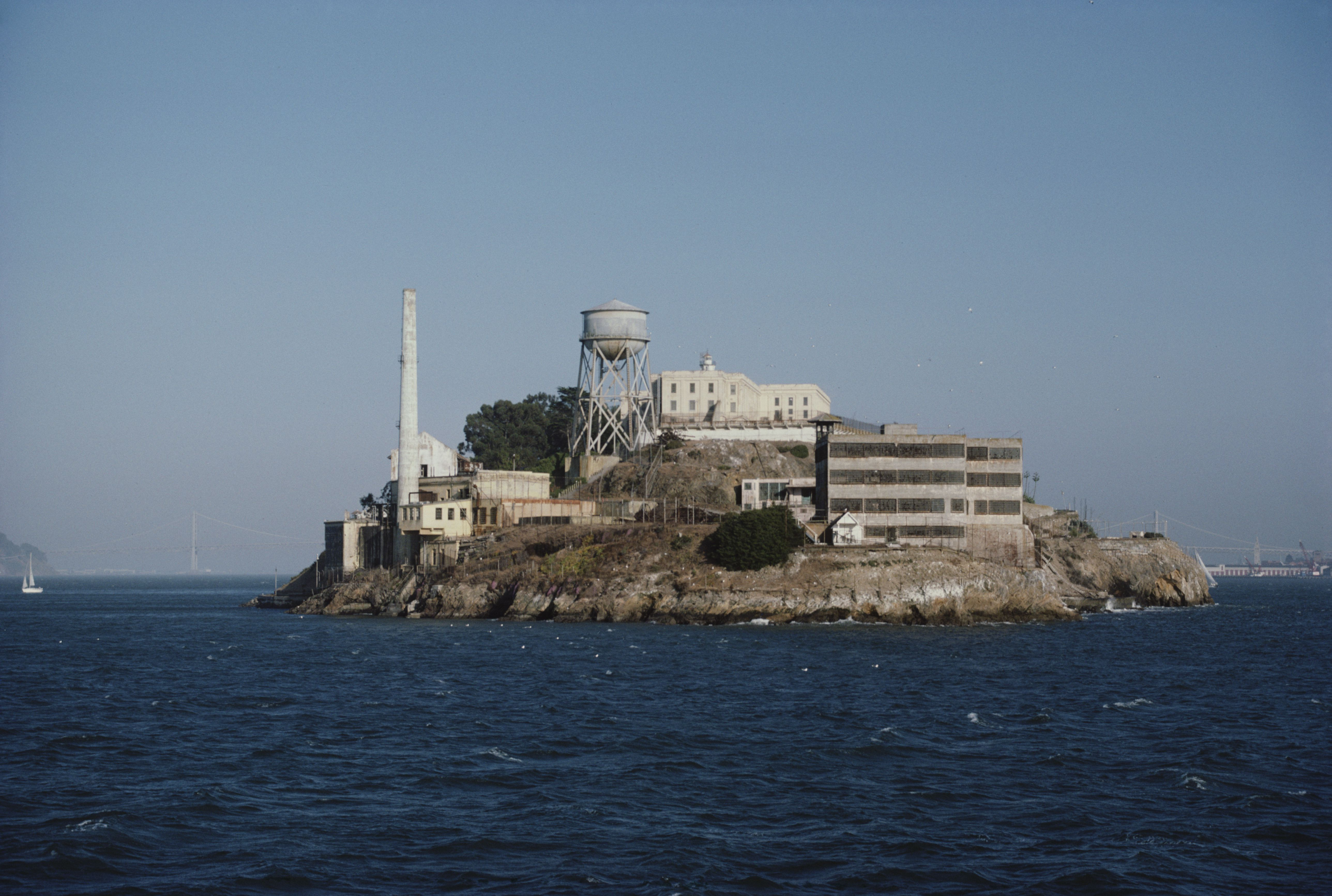 the history of the prison alcatraz History of alcatraz long before alcatraz became home to some of the most notorious outlaws in the country, it was known as a place to be avoided by native americans who believed it to contain evil spirits.