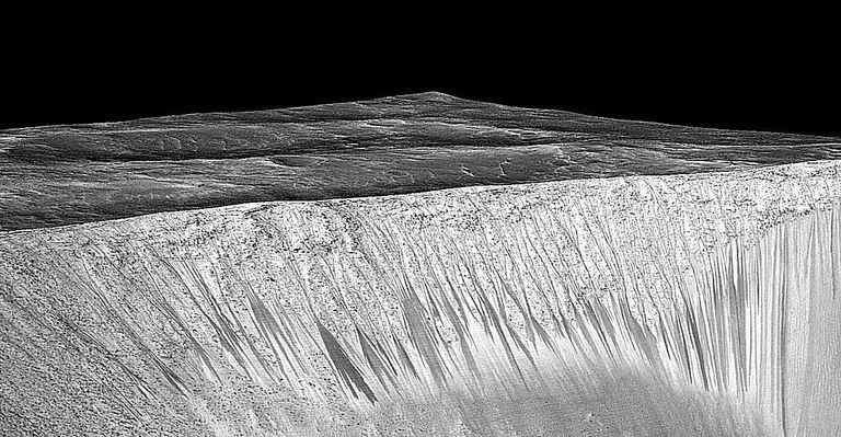Mars slopes linae