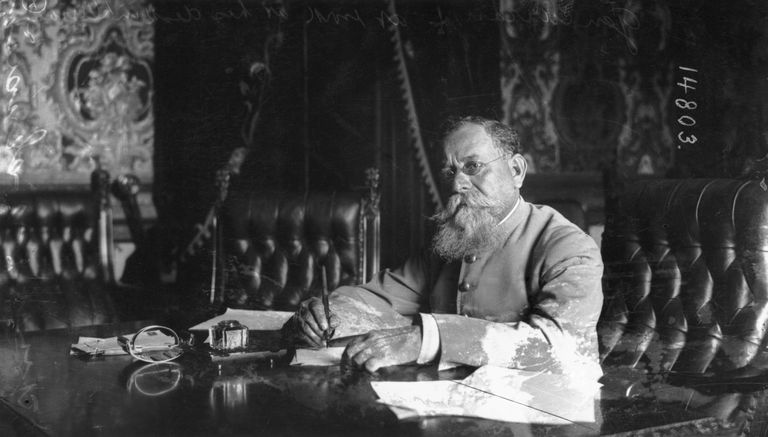 Venustiano Carranza working at his desk