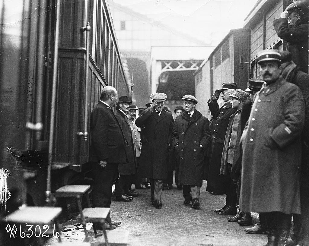 El presidente Wilson y George Creel en la estación de tren
