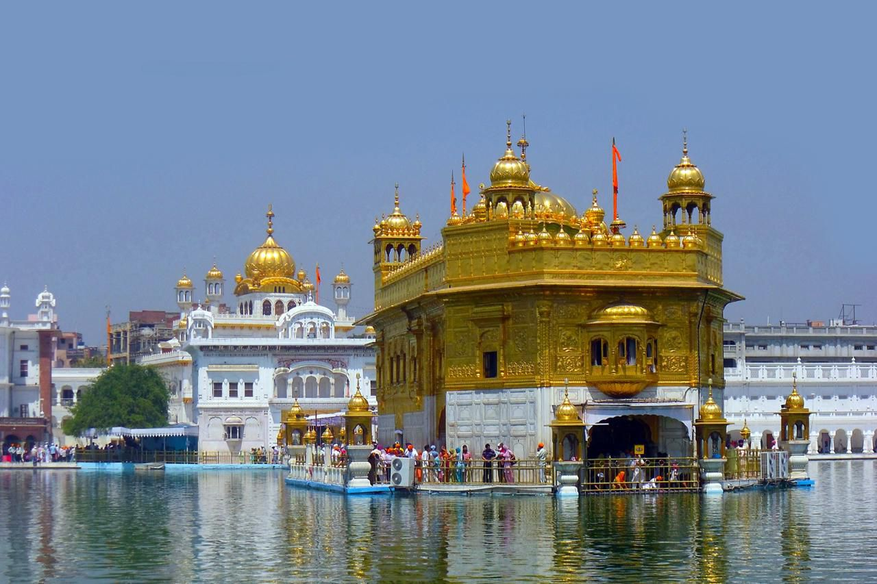 essay historical place golden temple Wagah border is one of the must visit places of tourist interest around golden temple in amritsar and has constructed itself as a firm favorite among the indian tourists.