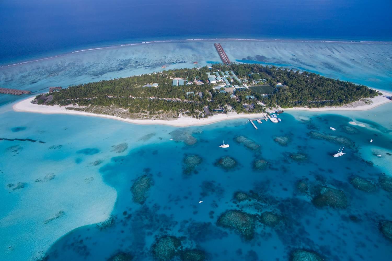 Overhead view of Meeru Island, southwest of India, in the Indian Ocean.