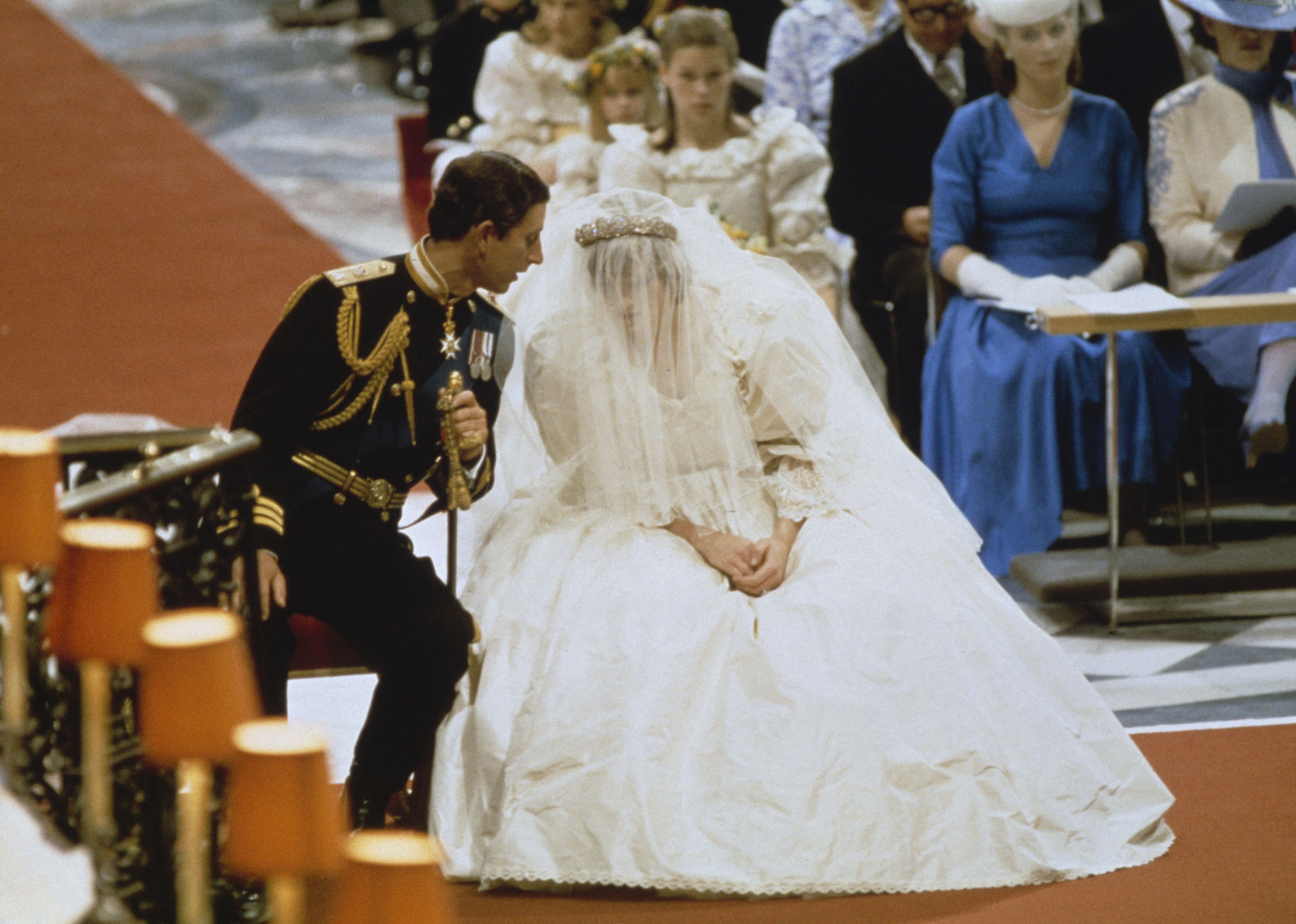 Diana Wedding Dress.Princess Diana Wedding Pictures
