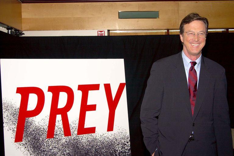 Michael Crichton Signs His New Book Prey