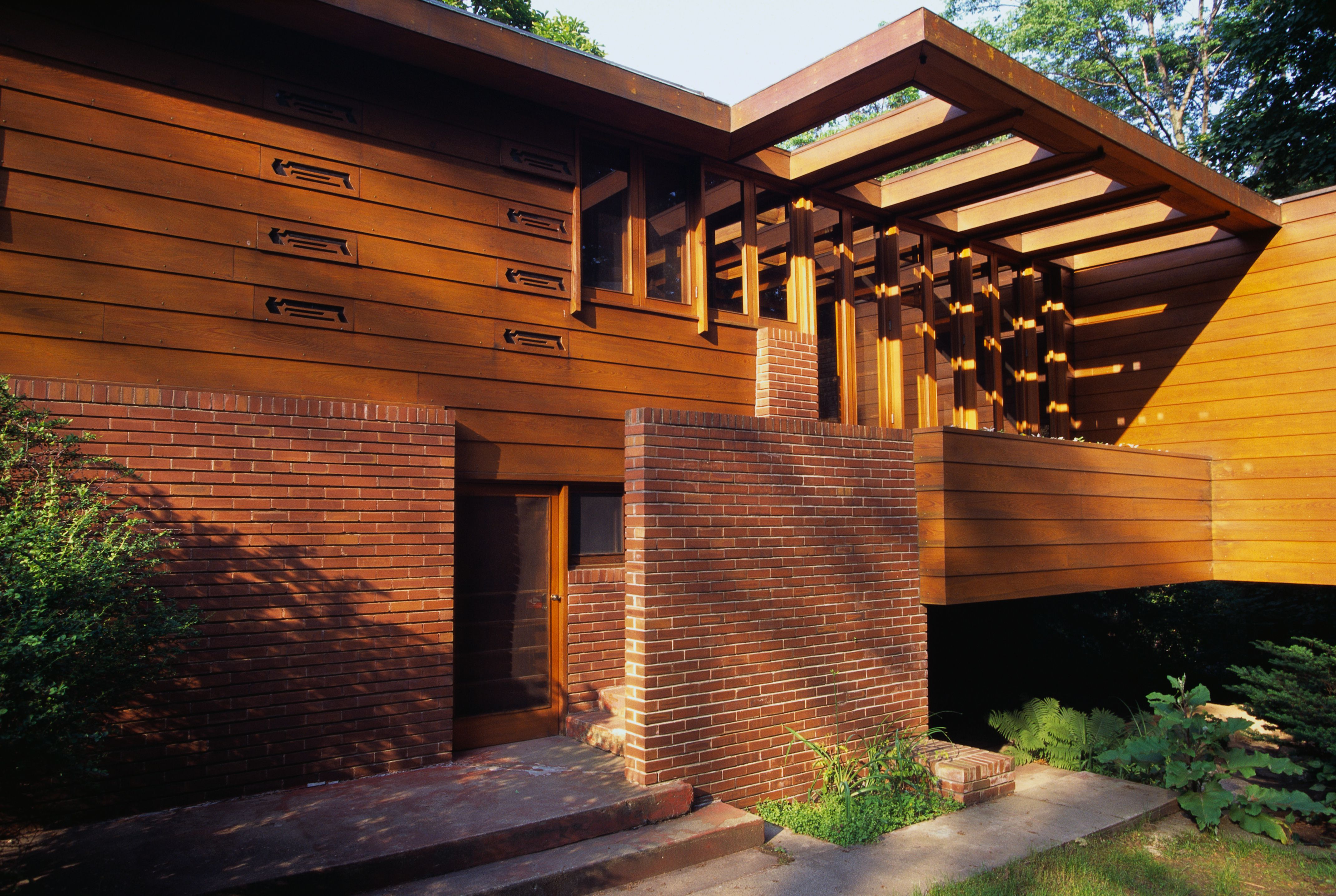 Easy ways to get frank lloyd wright house plans - Brick and wood house ...