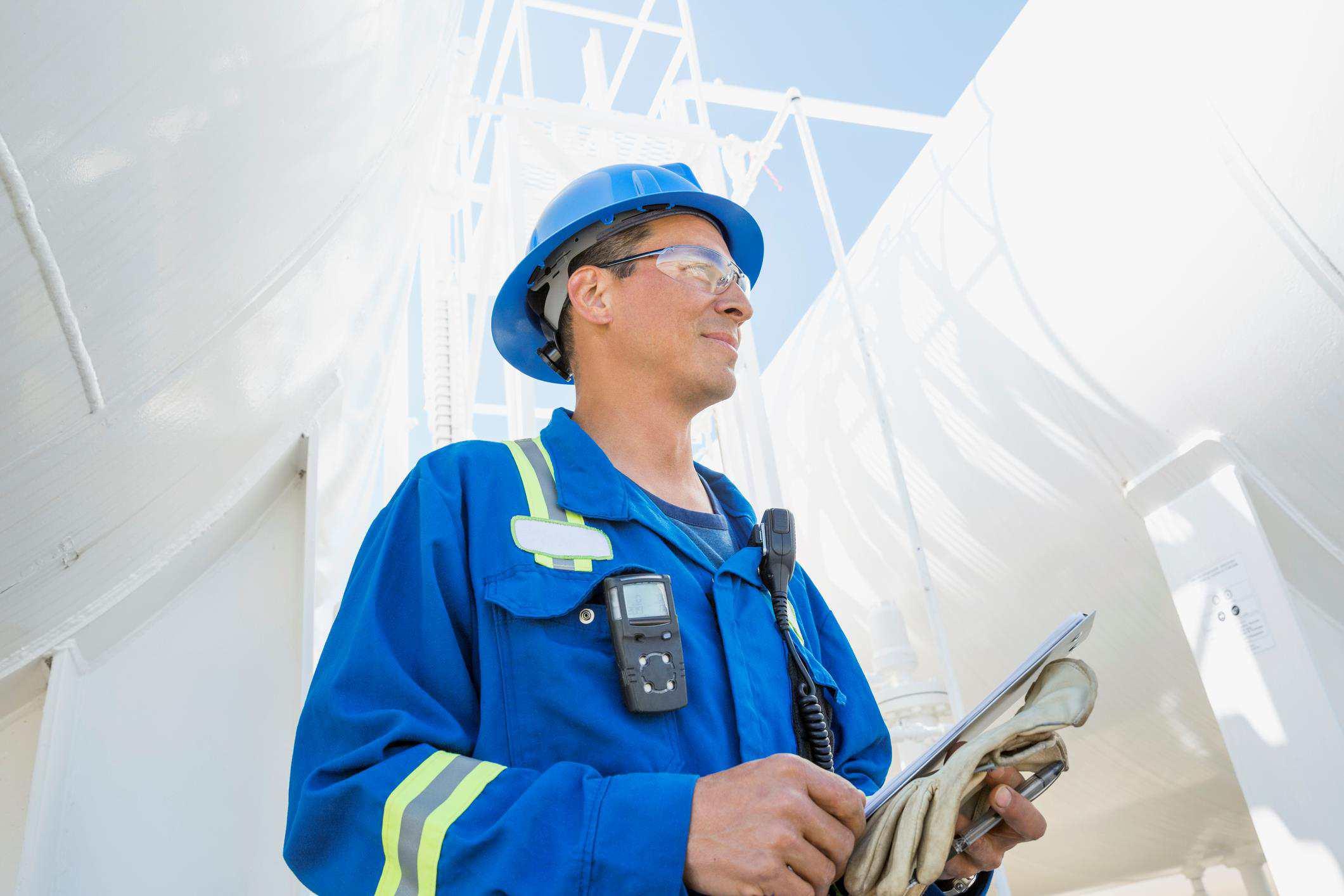 petroleum engineer on site