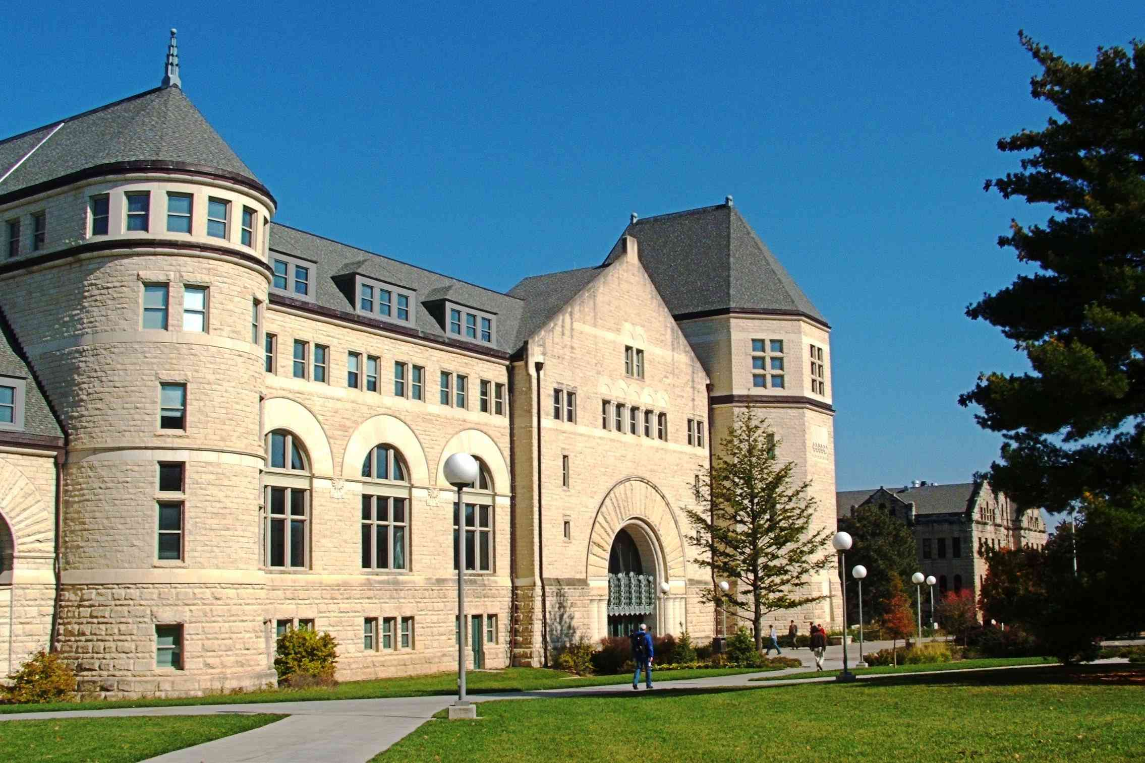 Hale Library at Kansas State University