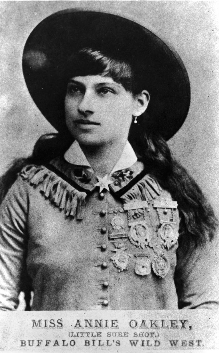 Picture of female sharpshooter, Annie Oakley.