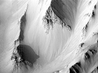 Pictures of Mars - Western Tithonium Chasma - Ius Chasma