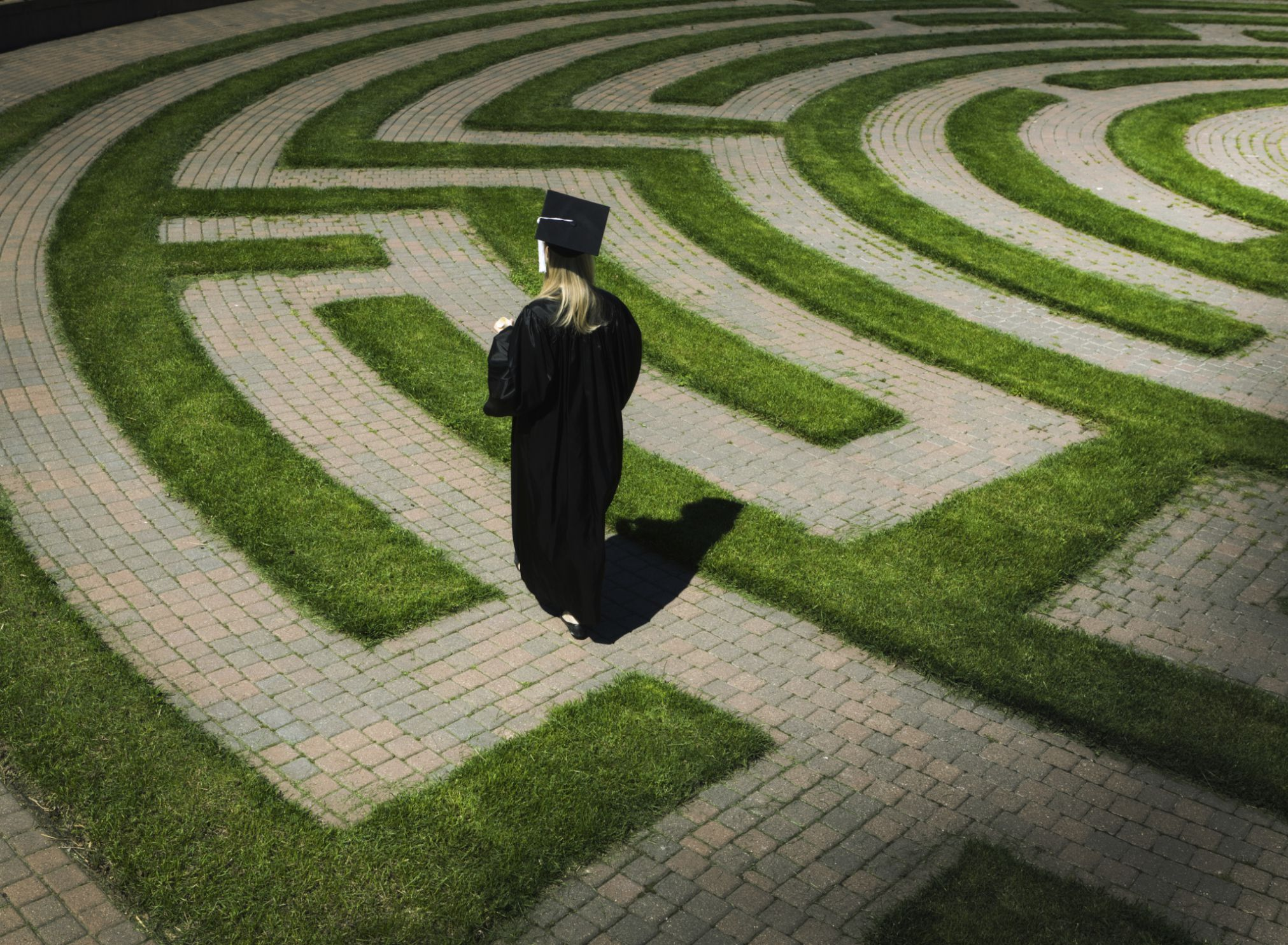 master's and doctoral degrees: what's the difference?
