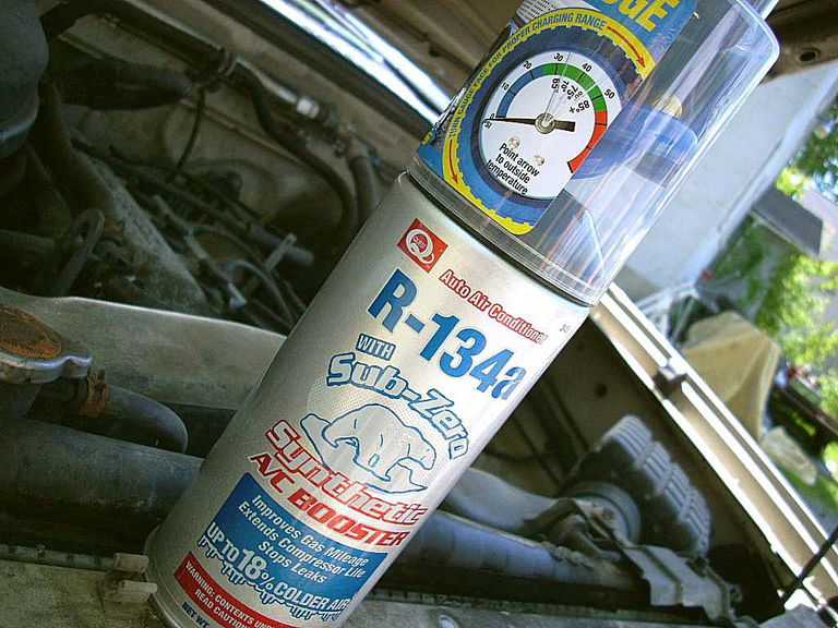 How to recharge your cars air conditioner if your car uses r134 type refrigerant you can recharge your own ac system solutioingenieria Image collections