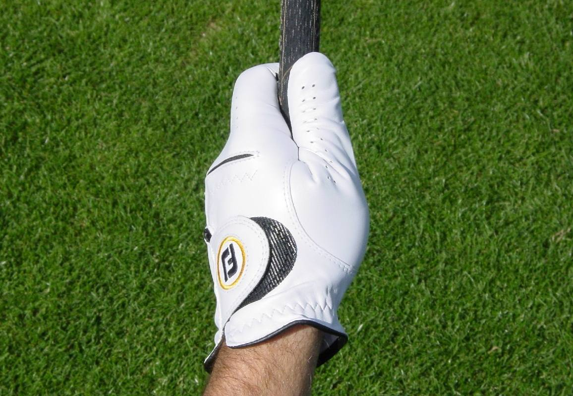 Proper Golf Grip: How To Take Hold Of The Club