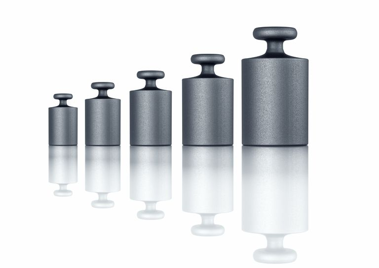 weights lined up in a row