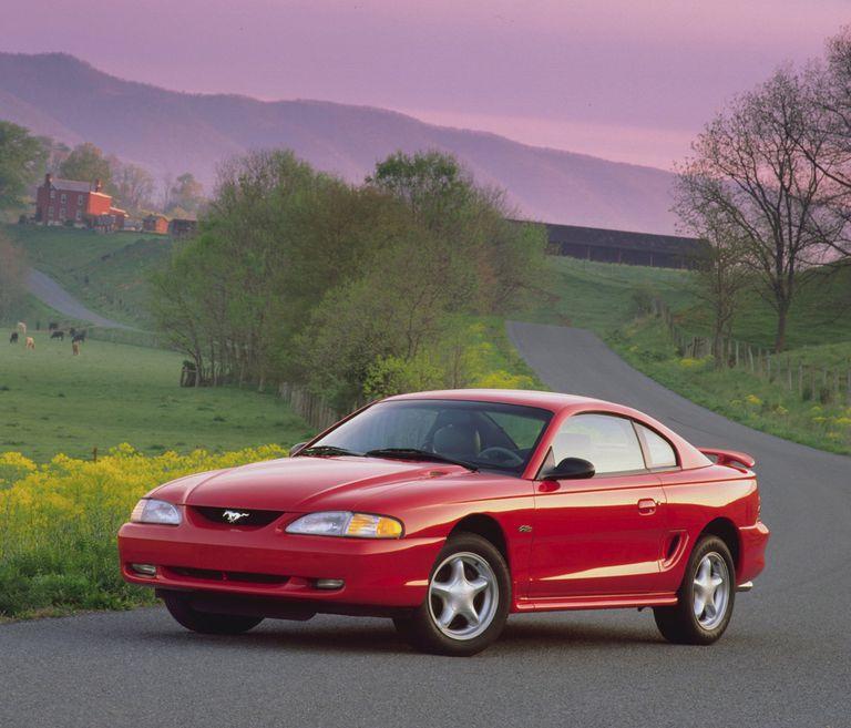 2004 mustang gt v8 horsepower