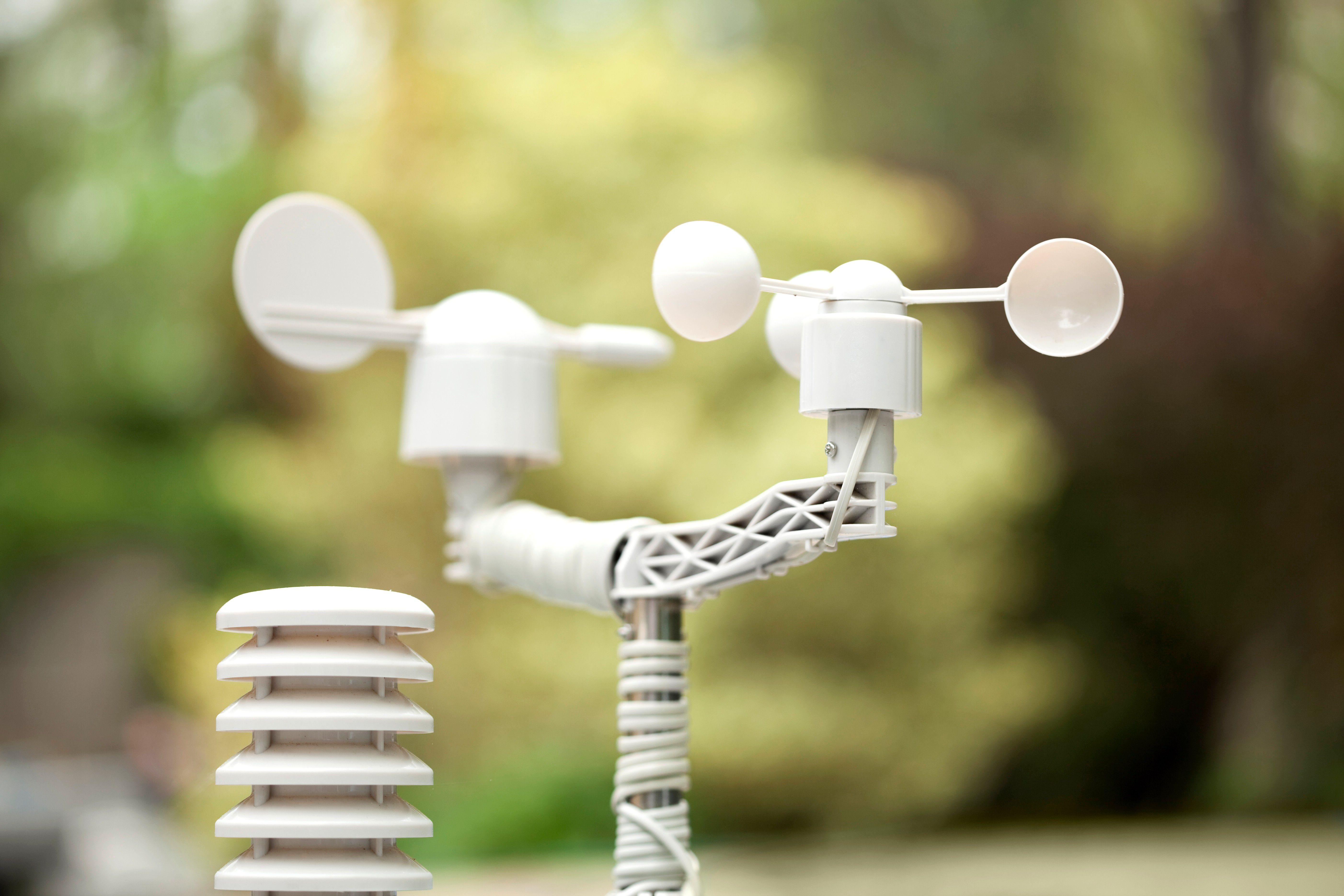 A small, backyard personal weather anemometer