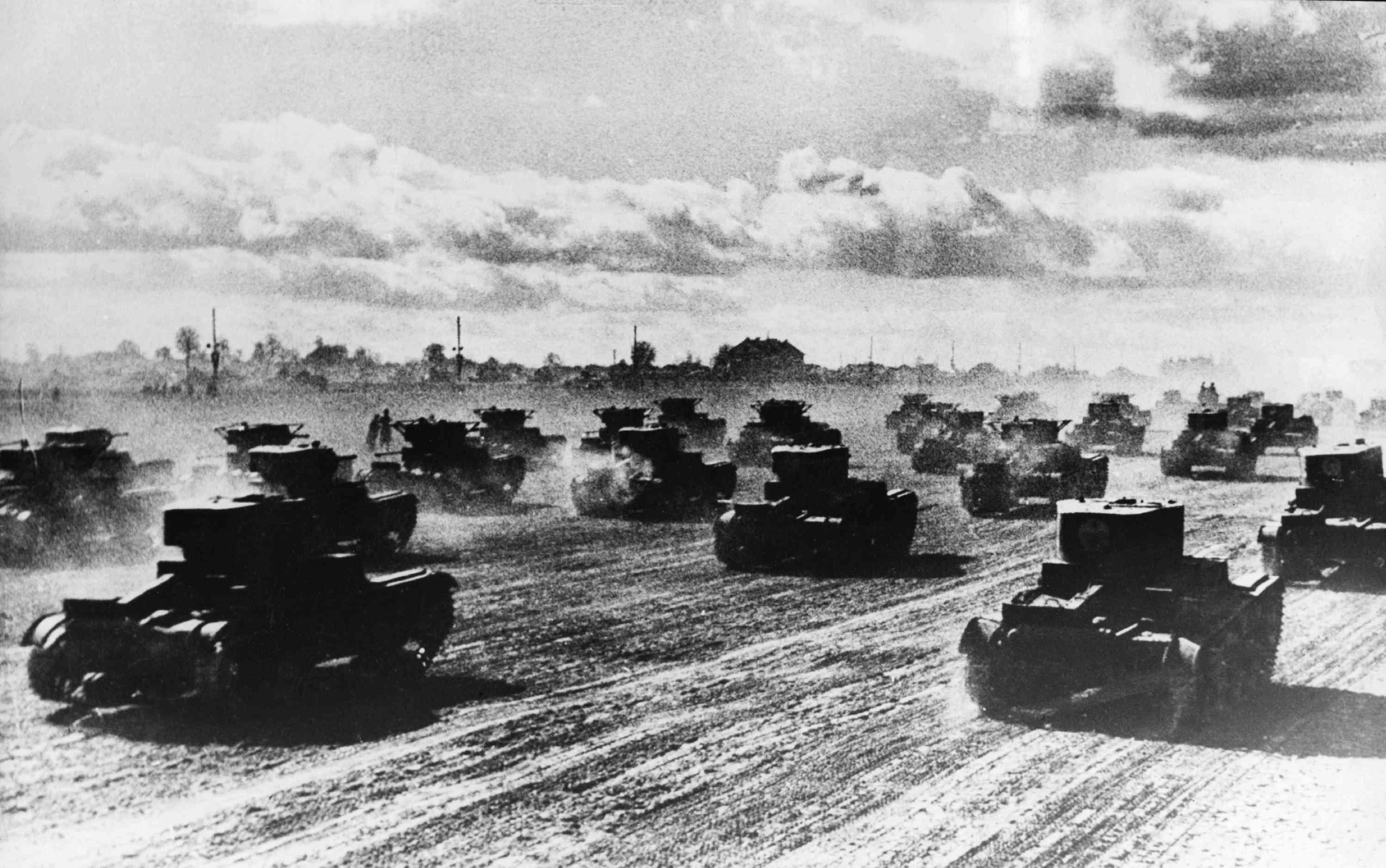 Ρωσικά τανκς σπεύδουν προς τα εμπρός, Ιούνιος 1941.