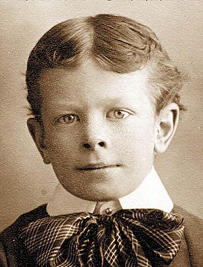 Linus Pauling - Age 7