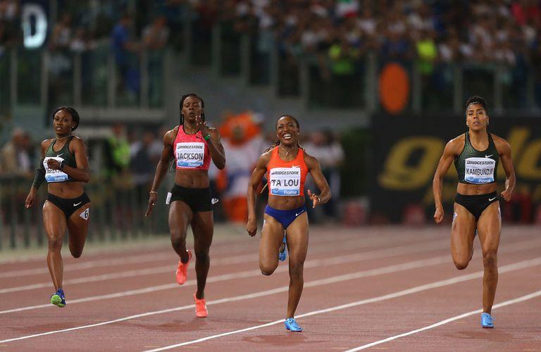 Women's 200m race