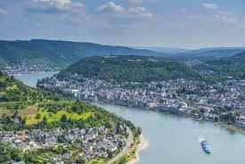 Germany, Rhineland-Palatinate, overlook over Boppard and the Rhine
