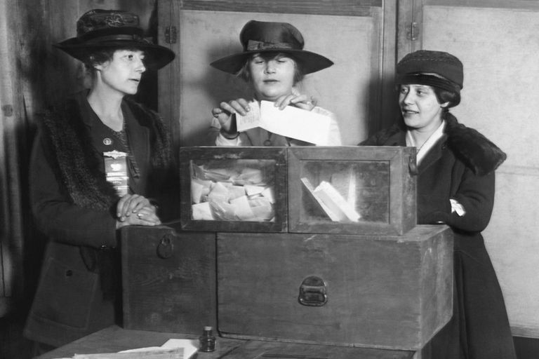 Three women vote in New York City, about 1917