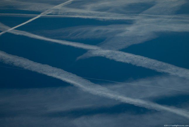 Airplane traces or contrails