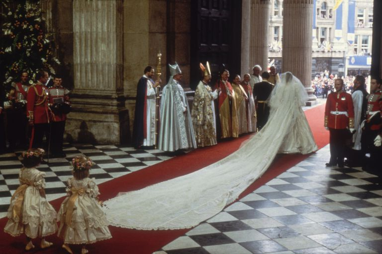 Princess Diana S Wedding Few Hints Of Sad Future