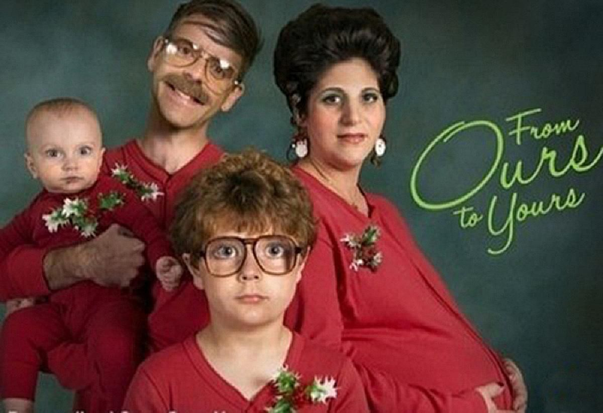 20 hilariously awkward family christmas photos - Awkward Family Christmas Photos