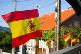 Spanish-flags-flying-in-Spain