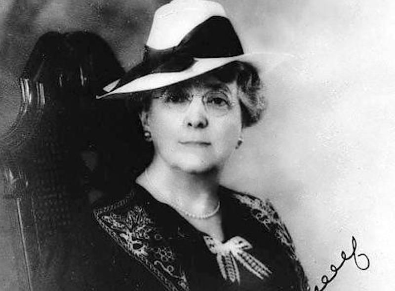 """Biography of Lucy Maud Montgomery, Author of """"Anne of Green Gables"""""""