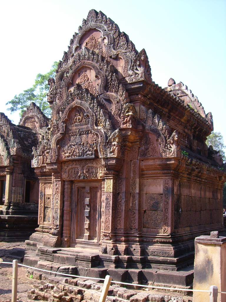 Banteay Srei was built in 967 C.E.