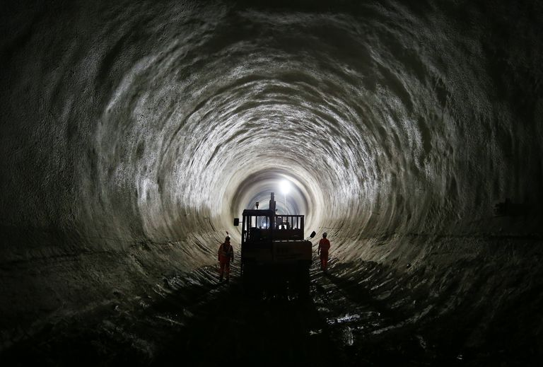 Work Continues in 2014 on The Crossrail Railway Project, London's Underground