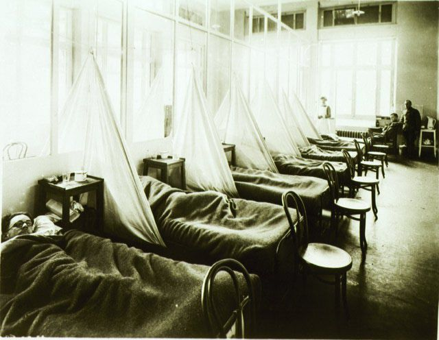 A picture of influenza ward no. 1 at U.S. Army Camp Hospital no. 45 in France.
