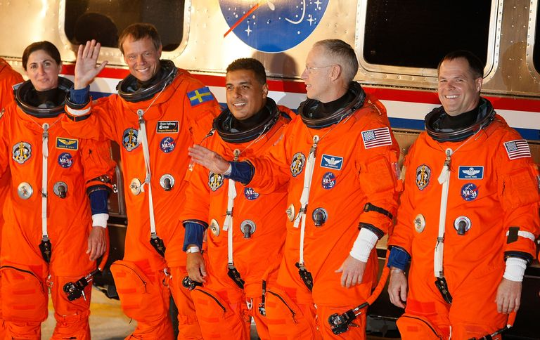 José Hernández (center) before a Space Shuttle launch