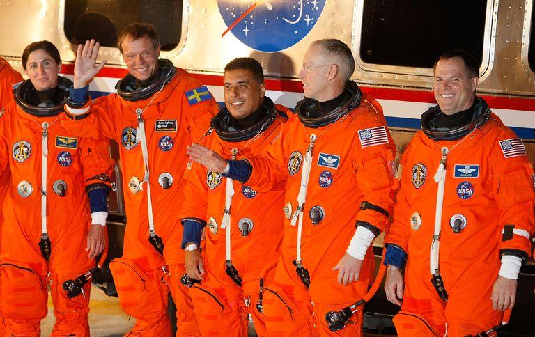 José Hernández (center) before a Space Shuttle launch