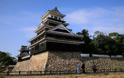 The entire castle was burned down during the Satsuma Rebellion in 1877, and rebuilt in 1964.