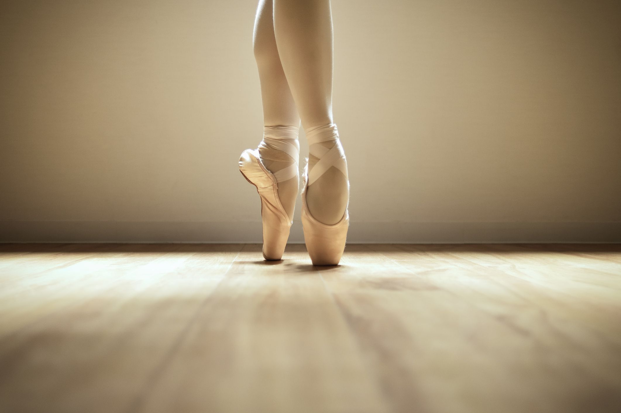 6bc7a0307cfe Average Lifespan of Pointe Shoes