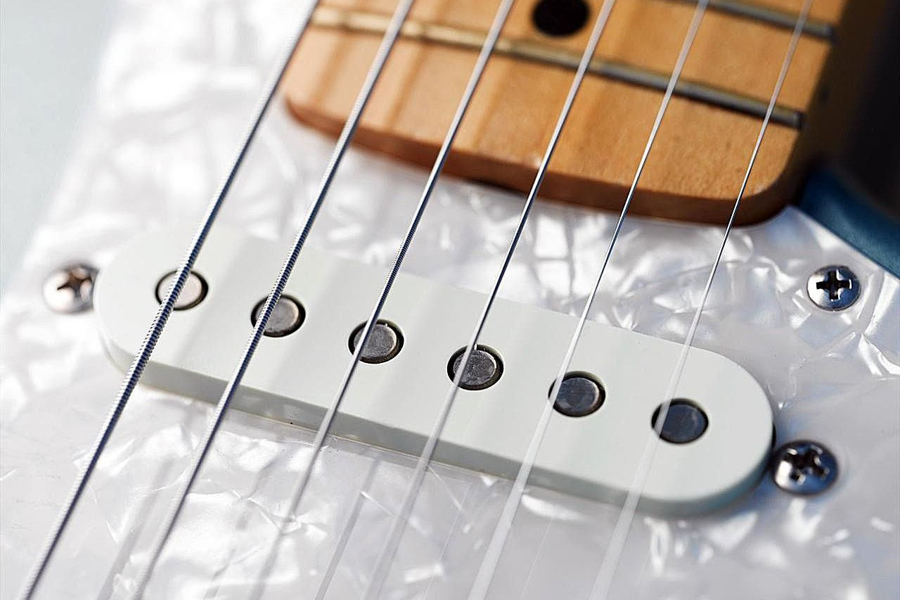 Choosing The Right Guitar Strings