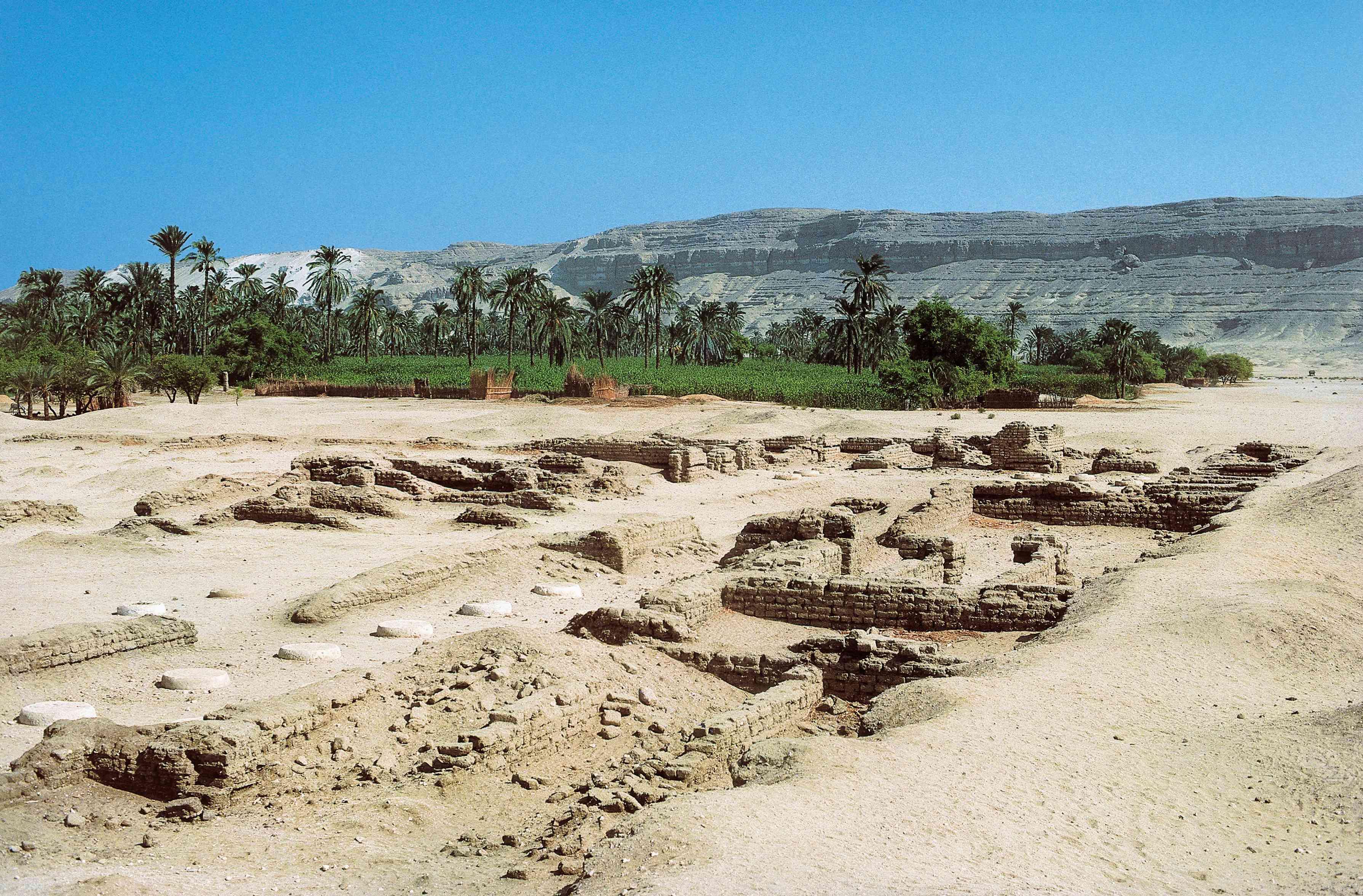 Ruins of Pharaoh Akhenaton's capital Tell el-Amarna (Akhetaten). New Kingdom, 18th Dynasty