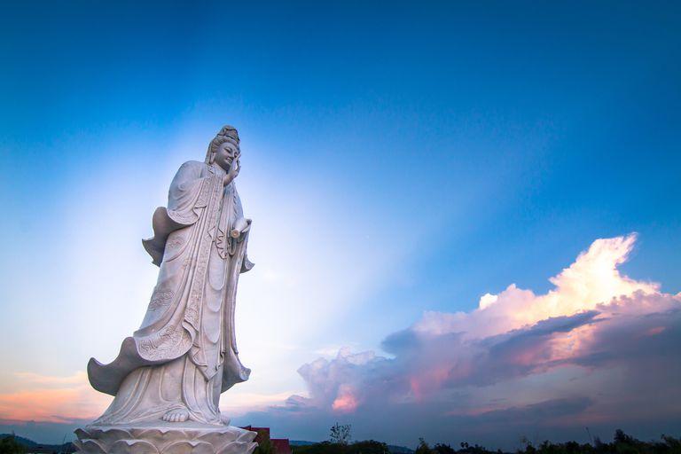 Guanyin-blue-sky.jpg