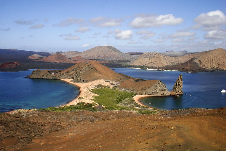 The twin bays and Pinnacle Rock photographed from the highest point on Bartolomé Island.