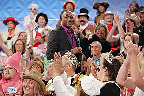 Wayne Brady hosts the new Let's Make a Deal
