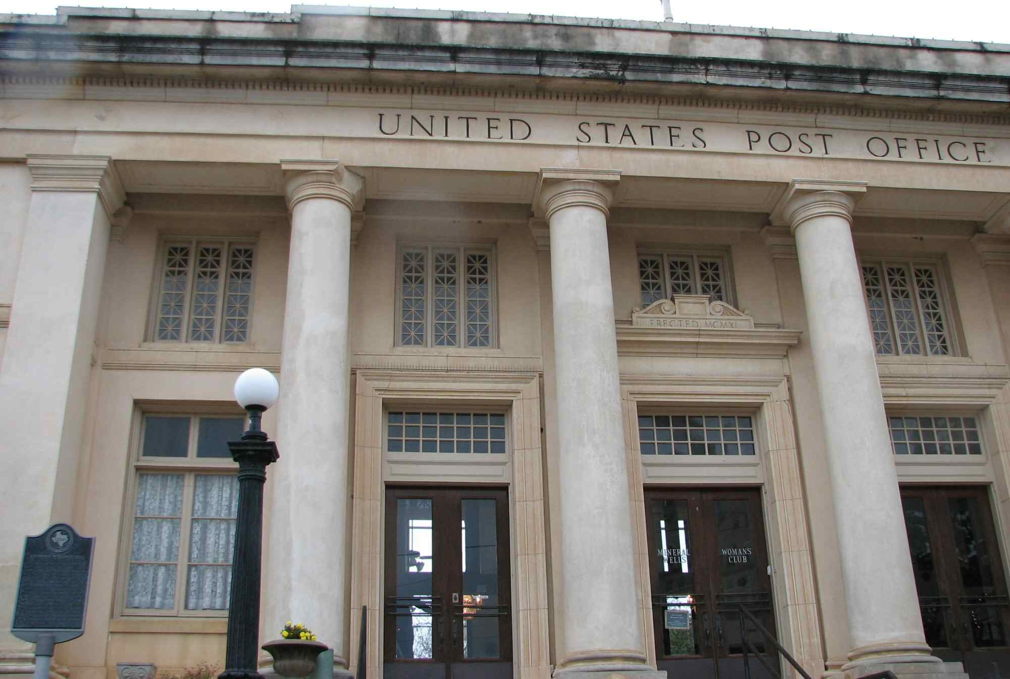 Photograph of classical columns at the old Mineral Wells Post Office in Texas.