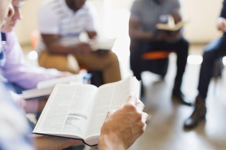 Men-reading-bible-in-a-circle