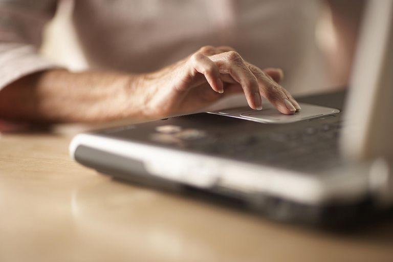 Senior-with-laptop-Thomas-Northcut-Photodisc-Getty-Images-75627287.jpg