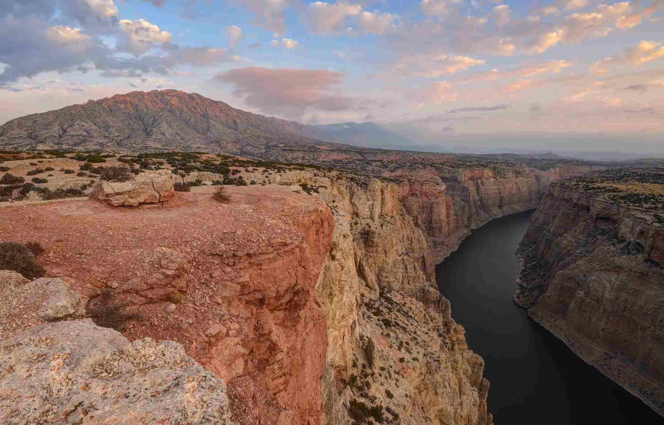 Pryor Mountains and river winding through a canyon, Bighorn Canyon National Recreation Area, Montana, America, USA