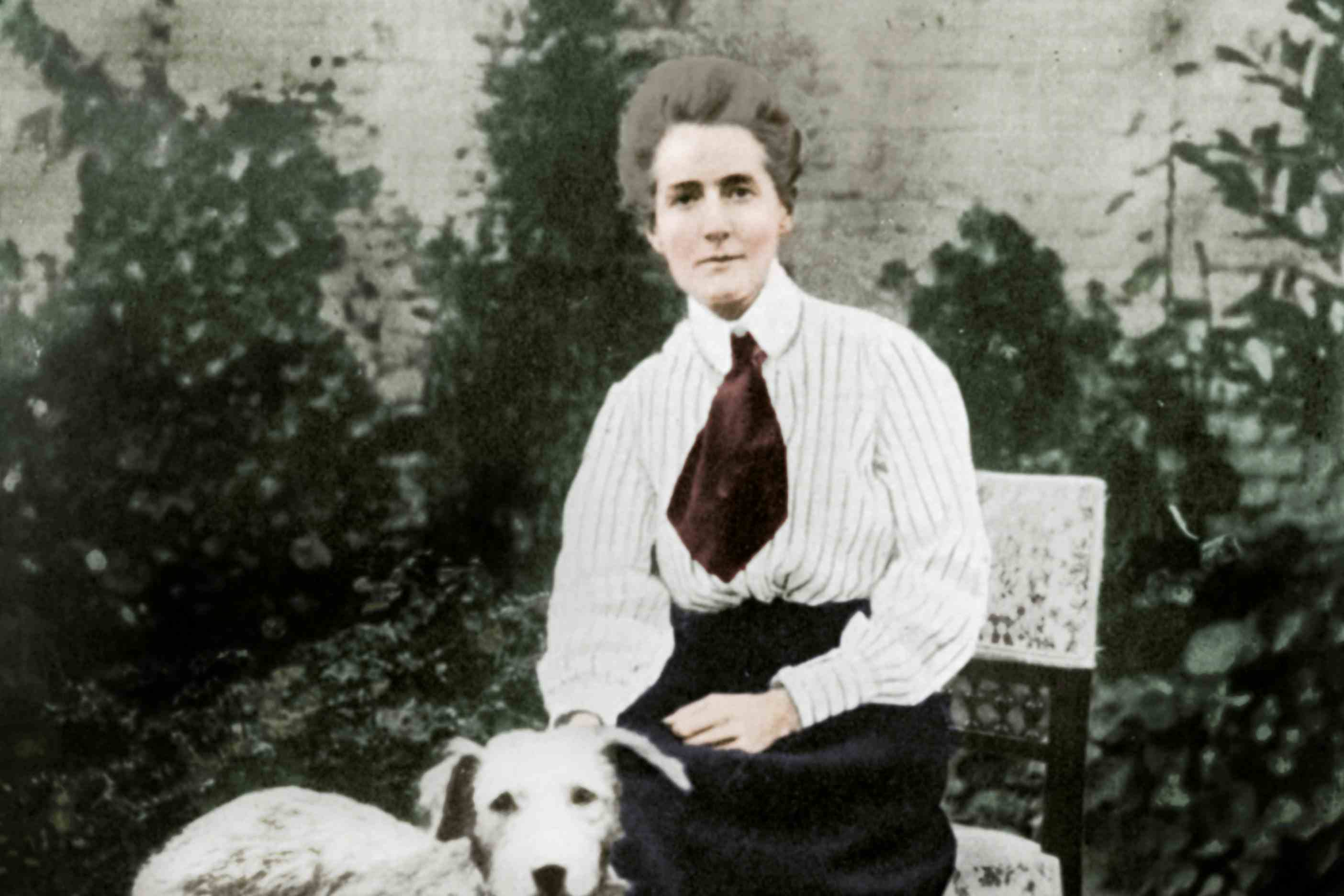 Edith Cavell With Her Pet Dogs, C1915