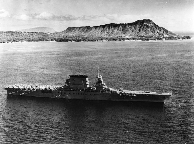 USS Lexington (CV-2) off Hawaii, 1933