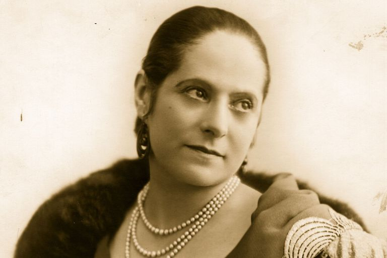 1d975f018b6 Helena Rubinstein: Founder and Head of a Beauty Empire